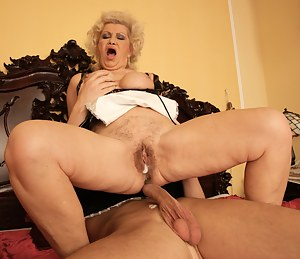 Free MILF Creampie Porn Pictures