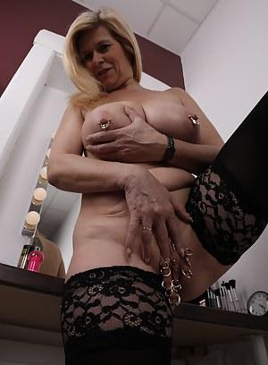 Free MILF Bizarre Porn Pictures